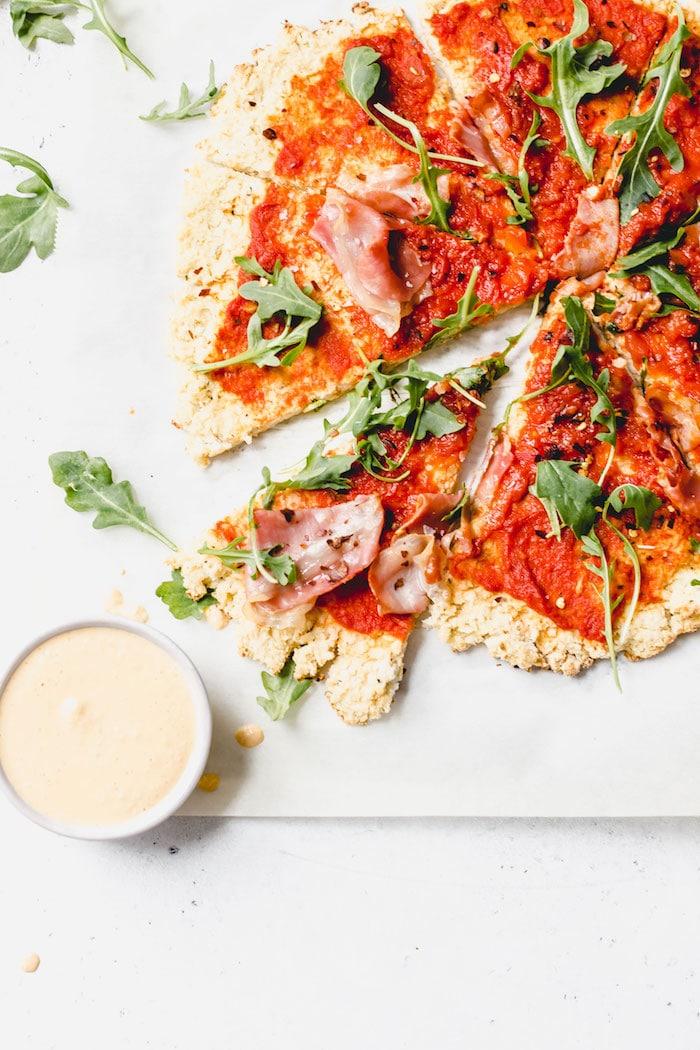 Whole30 pizza recipe | thealmondeater.com