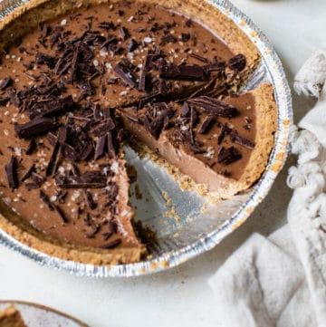 chocolate pie with chocolate shavings
