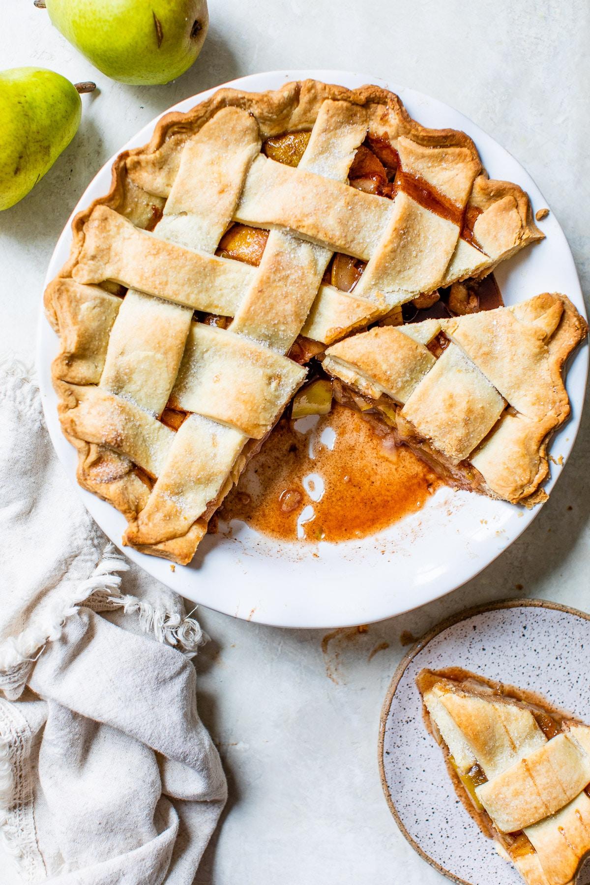 pear pie in a pie pan